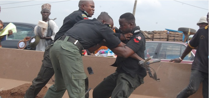 Naija Police fighting over bribes